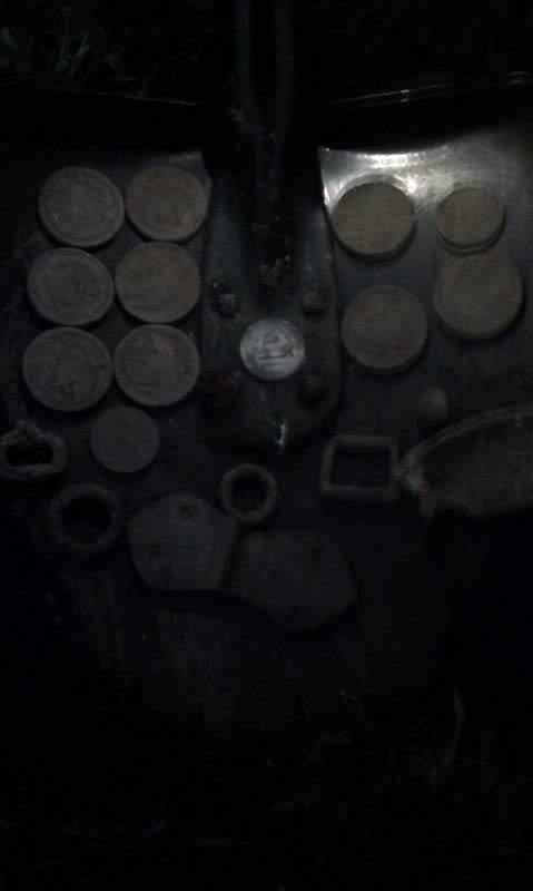 монеты из земли